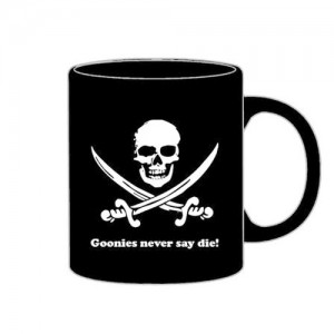 "Taza ""Never Day Die"" Goonies"